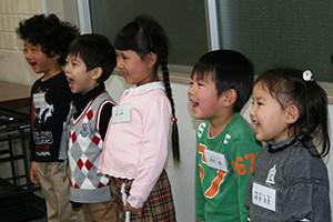 関西のタレントプロダクション日本放映プロ幼児タレントレッスン風景。
